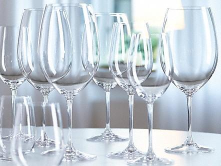 bicchieri brillanti e puliti
